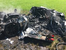 Phá huỷ siêu xe Ferrari F430 Scuderia ngay sau khi mua