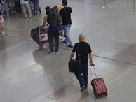 Cao thủ Vịnh Xuân Flores rời Việt Nam vào đêm muộn