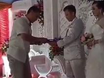 Thời buổi này, đi ăn cưới là phải quẹt thẻ không cần phong bì
