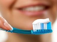 Đánh răng, rửa bát cũng làm hỏng cột sống vì lý do này