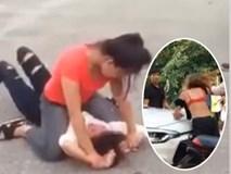 Phẫn nộ đoạn video 3 nữ sinh đánh hội đồng, xé rách áo bạn gái giữa đường