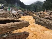 Tận mắt chứng kiến nỗi đau trên hồ thủy điện Mù Cang Chải: Bùn, gỗ và xác người