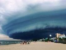 Thực hư đám mây lạ như 'nuốt chửng' biển Sầm Sơn, Thanh Hóa