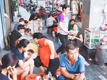"""4 quán ăn có giờ mở cửa """"dị"""" nhưng lúc nào cũng đông khách Hà Nội"""