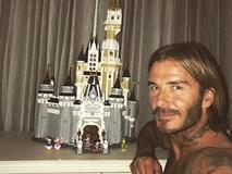 Cưng Harper nhất nhà, David Beckham bỏ cả tuần lễ để xây lâu đài cho con gái yêu