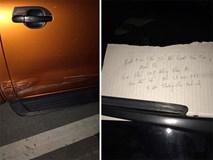 Bị va quệt xước xe, nhưng chủ xe không thể giận vì một mảnh giấy để lại