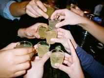 Rùng mình với thủ đoạn nấu rượu bằng men hóa chất