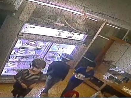 Camera ghi hình 2 cô gái có mặt trong vụ án mạng ở Sài Gòn
