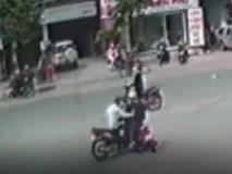 Gây tai nạn rồi bỏ chạy, người đàn ông bị truy đuổi trên đường