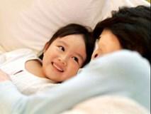 Mỗi ngày trước khi ngủ mẹ chỉ hỏi con 2 câu này, đủ để con cảm ơn cả đời!