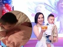 Bé lớn nhà Vy Oanh ra dáng anh trai khi hát ru em ngủ