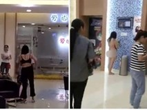 Lý do gây sốc khiến người phụ nữ cởi sạch đồ trước mặt chồng cũ giữa trung tâm thương mại
