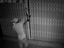 Cửa nhà kiên cố, trộm manh động dùng kìm cắt sắt phá khoá vào trộm đồ