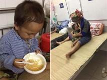 Nhói lòng hình ảnh cậu bé 3 tuổi người Mông vừa bị lũ cuốn mất nhà lại có nguy cơ mù mắt