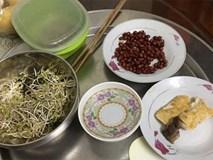 Đóng tiền ăn nghiêm túc mà mẹ chồng nấu cơm 3 món lèo tèo lạc đậu, con dâu chụp ảnh bêu ngay lên Facebook