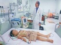 Bị bạn đẩy đập người vào tường, bé trai 8 tuổi suýt chết vì sốc tim