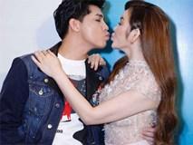 Noo Phước Thịnh đáng yêu ôm hôn đàn chị Lý Nhã Kỳ trong sự kiện