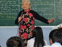 Tiết học khiến hàng triệu người xem rơi nước mắt của cô giáo ngoài 80 tuổi