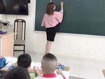 Cấm giáo viên mặc váy ngắn ở Hà Tĩnh: Kẻ khen, người chê!