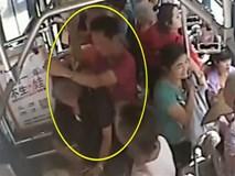 Cái kết đắng của người đàn ông quấy rối tình dục trẻ vị thành niên trên xe buýt