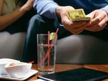 Bạn trai đi ăn 1.000 đồng cũng đòi cưa đôi, thiếu tiền lẻ thì trả bằng kẹo cao su