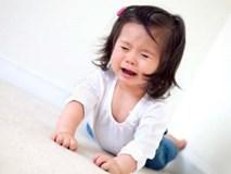 Clip trẻ ăn vạ khiến người lớn bừng tỉnh: Chính bố mẹ làm con hư!