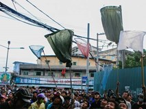 """Vợt chế từ mùng, bao gạo và... thùng xốp - Đội quân """"giật cô hồn"""" ở Sài Gòn ngày càng chuyên nghiệp"""