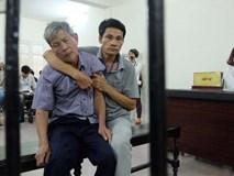 Xử vụ cụ ông 79 tuổi hiếp dâm bé gái ở Hà Nội: Bị can được đưa đến tòa trong tình trạng mệt mỏi