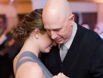 """Ai dự hôn lễ này cũng khóc khi thấy cô dâu để bạn thân """"chiếm sóng"""", trở thành nhân vật trung tâm"""