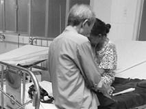 Bức ảnh đôi vợ chồng già trong viện và cuộc nói chuyện khiến con gái rơi nước mắt