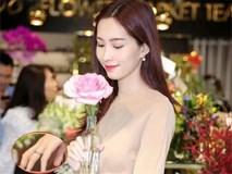 Sau thông tin kết hôn, Hoa hậu Đặng Thu Thảo xuất hiện rạng rỡ với nhẫn cưới lấp lánh