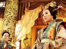 Mối tình cuồng si kỳ lạ của hoàng đế Trung Hoa với người bảo mẫu già hơn 17 tuổi