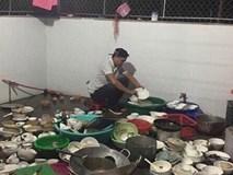 Bức ảnh gây xôn xao nhất MXH: chàng trai bảnh bao ngồi giữa núi bát đĩa trong lần đầu ra mắt