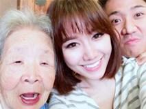 """Bà ngoại Hari Won tóc trắng bạc phơ, vẫn chụp ảnh """"tự sướng"""" cùng vợ chồng cháu gái"""