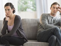 """Cưới xong 1 tháng đã """"vỡ mộng"""" vì chồng yếu """"chuyện ấy"""""""