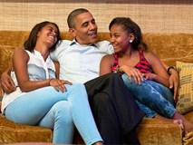 Nói không với tivi và đi ngủ lúc 8h tối - Hai nguyên tắc dạy con của vợ chồng Obama