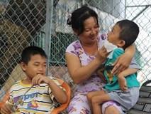 Bữa cơm với cá khô kho mắm của 3 mẹ con góa phụ tật nguyền nơi Sài thành