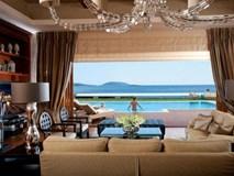 Đêm đặc biệt của đại gia trong phòng khách sạn giá chục ngàn USD