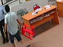 Nữ bác sĩ bị đánh: Chủ tịch phường cầm ghế là đồng phạm