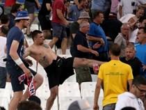 Hooligan Nga chờ 'làm thịt' fan Man Utd