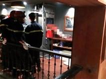 Vụ tử vong do kẹt đầu trong thang máy: Gặp nạn khi đến chỗ làm chơi cho mát