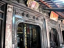 Cận cảnh căn nhà cổ toàn bằng gỗ quý, nguyên vẹn sau 127 năm