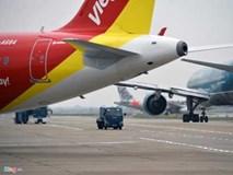 """Giá vé máy bay tăng """"sốc"""", khách phản ứng, hãng nói bình thường"""