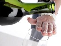 Bản lĩnh của đàn ông là dám từ chối rượu bia chứ không phải say xỉn