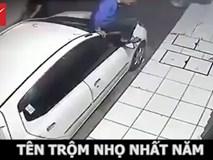 """Thanh niên """"hì hục"""" bẻ trộm gương ô tô nhưng bất thành"""