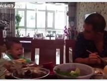 Cười rớt hàm với em bé diễn sâu nhất quả đất