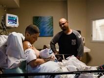 Ảnh chạm đến trái tim triệu người: Mẹ bị cắt một bên ngực, cạo trọc đầu vẫn cho con bú