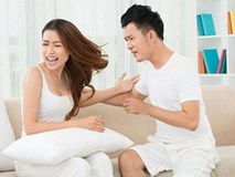 """Được nhà vợ chu cấp cho mọi chuyện, chồng vẫn coi vợ """"chả là cái thá gì cả"""""""