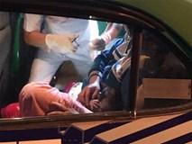 Đau bụng bất ngờ, sản phụ sinh con lần ba đẻ rơi ngay trên taxi