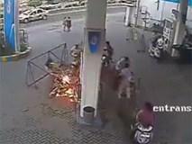Dùng điện thoại ở trạm xăng có thực sự gây cháy nổ? Bí mật đã được bật mí hoàn toàn